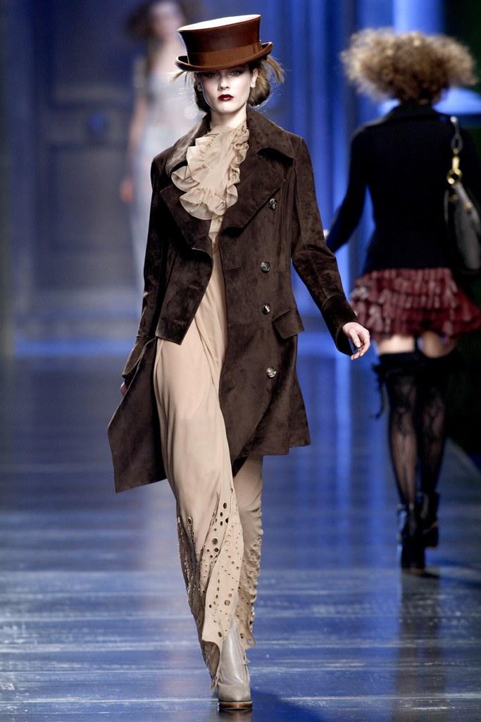 modern victorian fashion