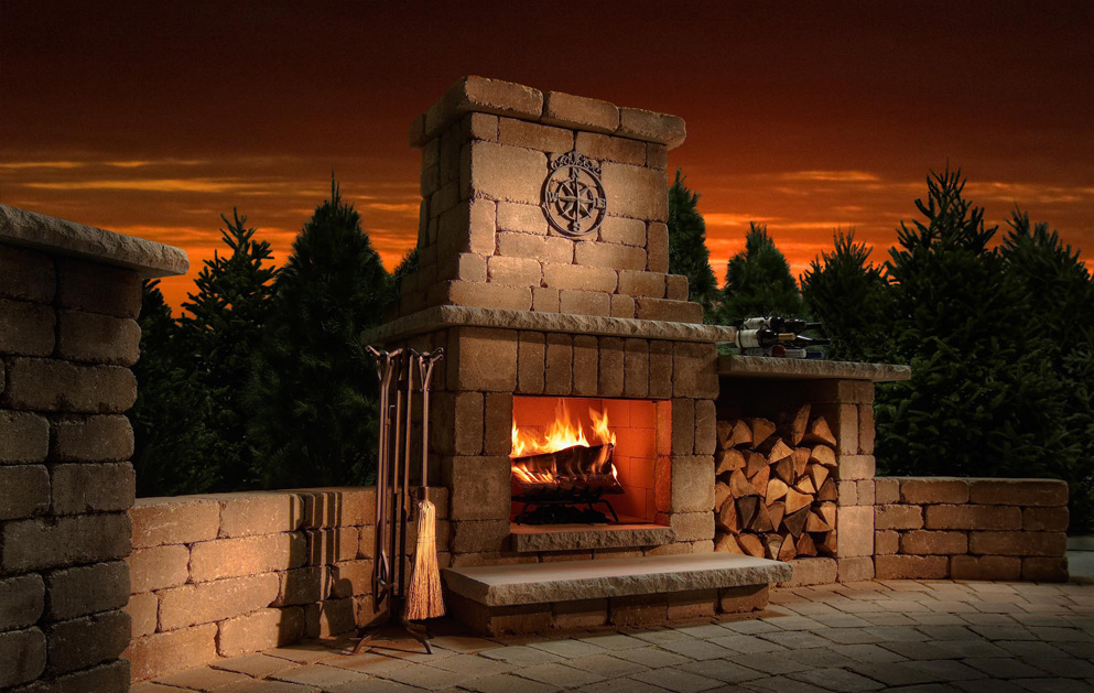 compact-colonial-fireplace