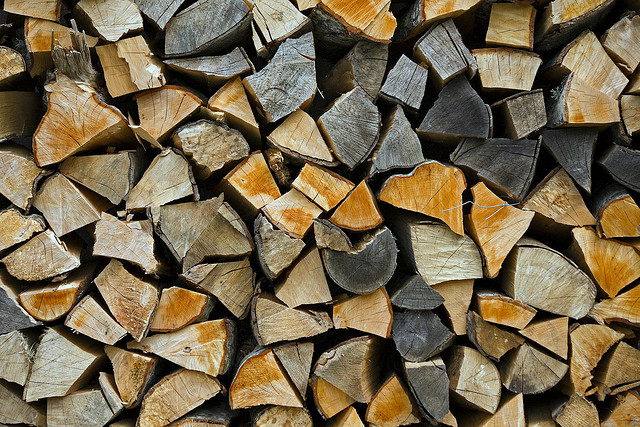 fire_wood_pile_by_flickr_haria_vorlan